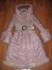 Продаю зимнее пальто- пуховик для девочки