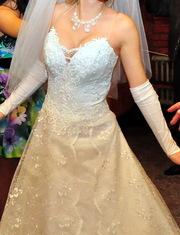 Продаю свадебное платье 42р + шубка